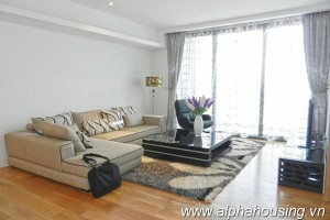 Duluxe 3 bedroom apartment for rent at Indochina plaza Hanoi 1